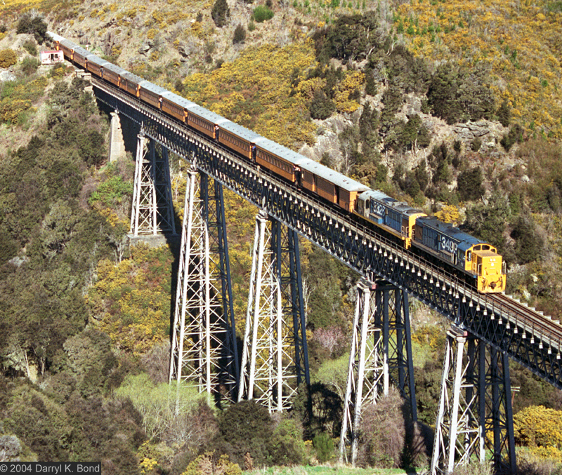 Taieri Gorge Railway, photo: Darryl K. Bond
